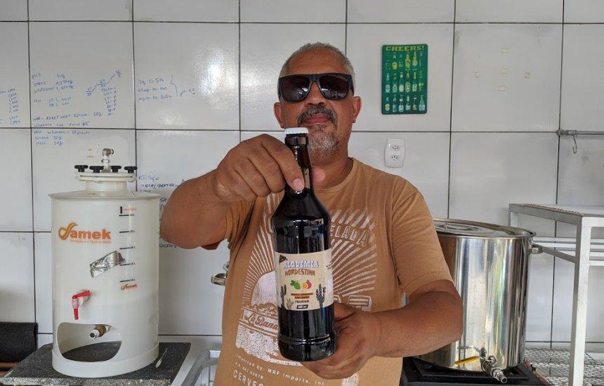[Miquéas Cardeal produz a própria cerveja em casa e quer difundir a cultura cervejeira em Camaçari]