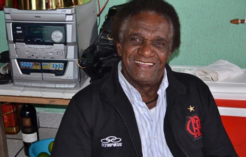 [Ídolo do Flamengo, ex-atacante Silva 'Batuta' morre aos 80 anos]