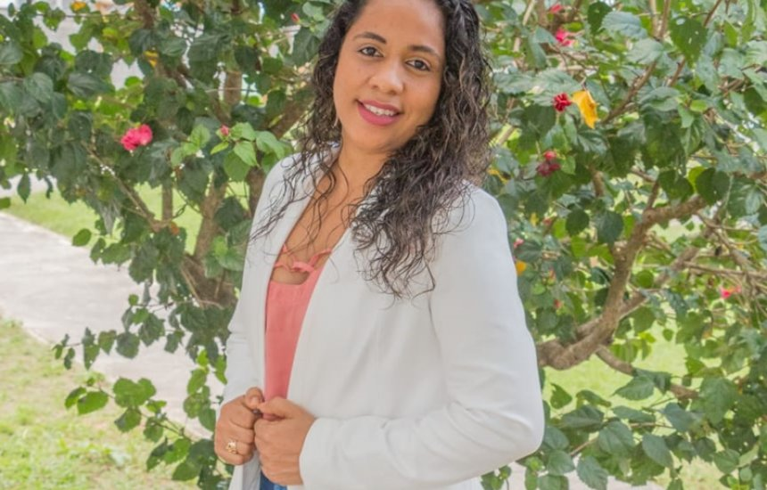 [Candidata a vereadora, Fran Bastos apresenta projeto de governo voltado para as mulheres]