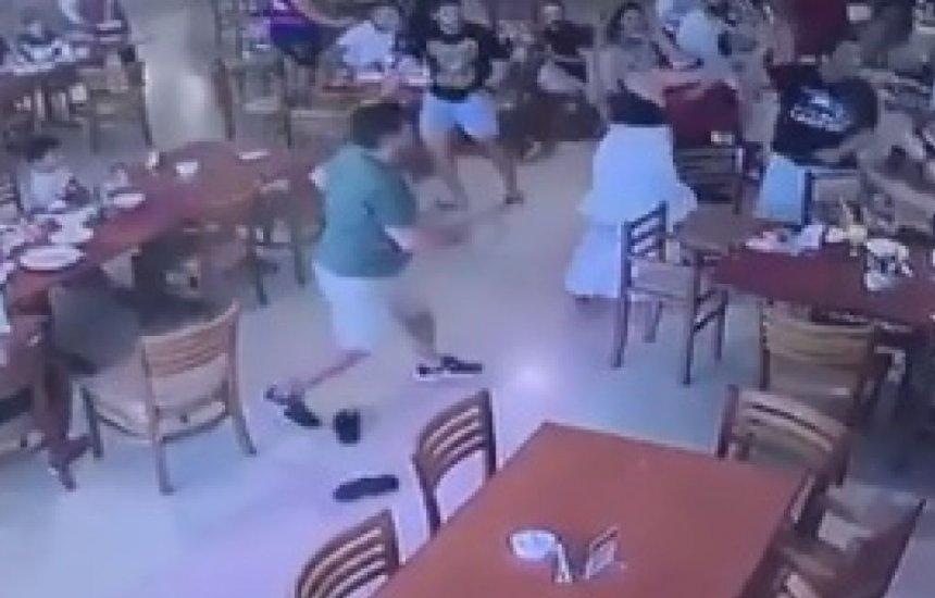 [Empresário tenta esfaquear advogado dentro de churrascaria em Feira. Vídeo]