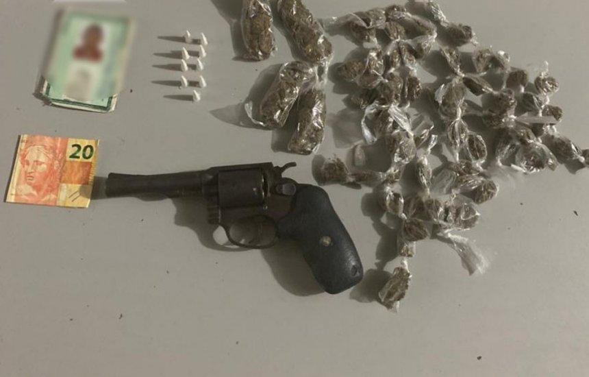 [Homem é morto em confronto com PMs na Região Metropolitana; armas e drogas foram apreendidas]