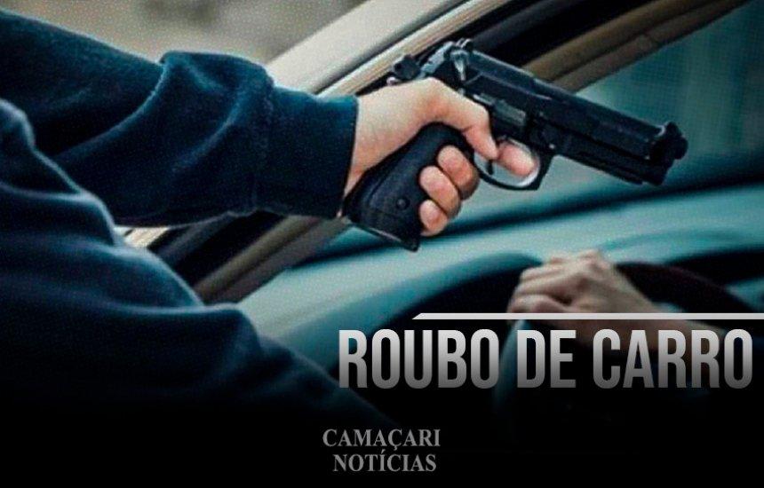 Veículo é tomado de assalto em Camaçari