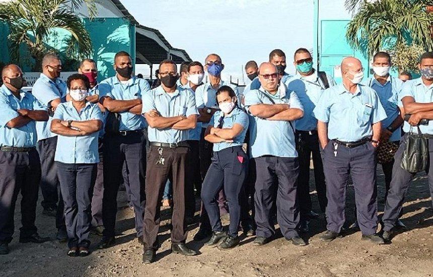 Rodoviários de Feira fazem nova paralisação por causa de salários atrasados